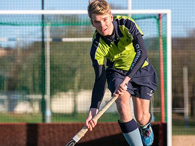 Heinemann internationale Schulberatung – Hockey-Spieler von Clayesmore School