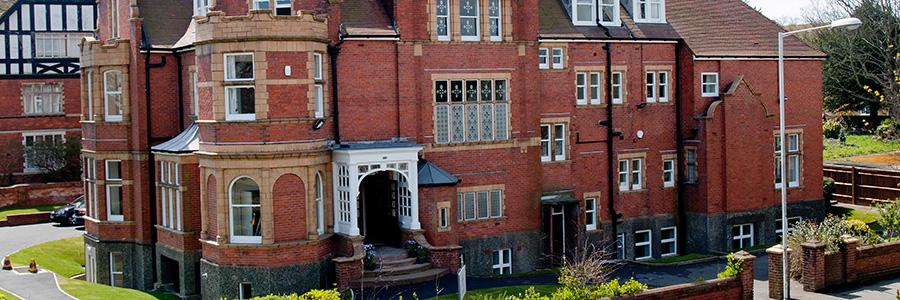Heinemann internationale Schulberatung – Hauptgebäude der Summer School