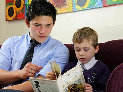 Heinemann internationale Schulberatung – Trinity School – füreinander da sein