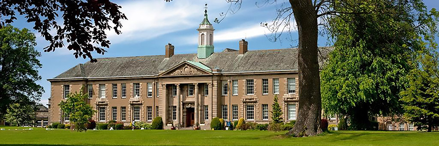 Heinemann internationale Schulberatung – Schulgebäude der Merchiston Castle School