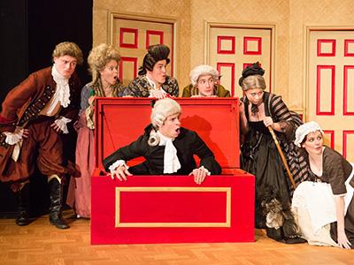 Heinemann internationale Schulberatung – Theater der Woodbridge School