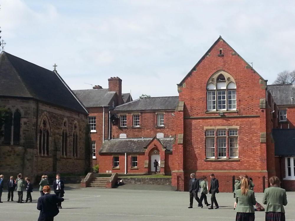 das perfektie Internat in England finden mit heinemann internationale Schulberatung