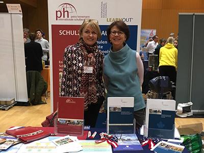 Petra Kirschke auf der petra heinemann schulberatung auf einer Internats-Messe 2019